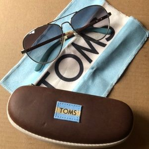Toms Classic 301 Sunglasses Wood Frame Blue White